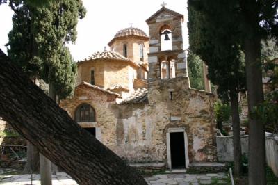 Монастырь Кесариани. Памятник византийского зодчества